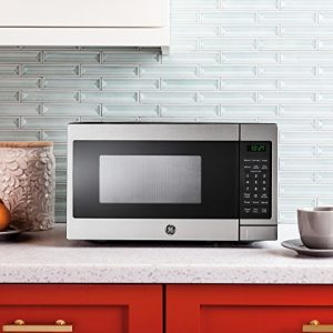 GE JES1072SHSS 0.7 Cu. Ft. Capacity Countertop Microwave Oven with Auto and Time Defrost, in Stainless Steel – Each
